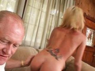 anyukák pisilés pornó